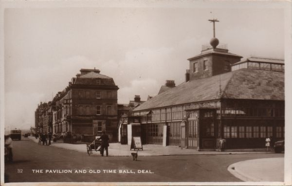 vintAGE POSTCARD OF THE PAVILION AND old Time Ball, Deal