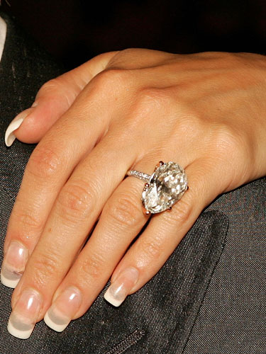 Victoria Beckham Wedding Ring Victoria Beckham 39 S Engagement Ring Image From