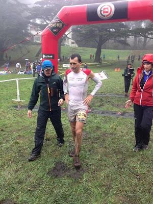 Miguel H_eras a su llegada a meta en San Francisco