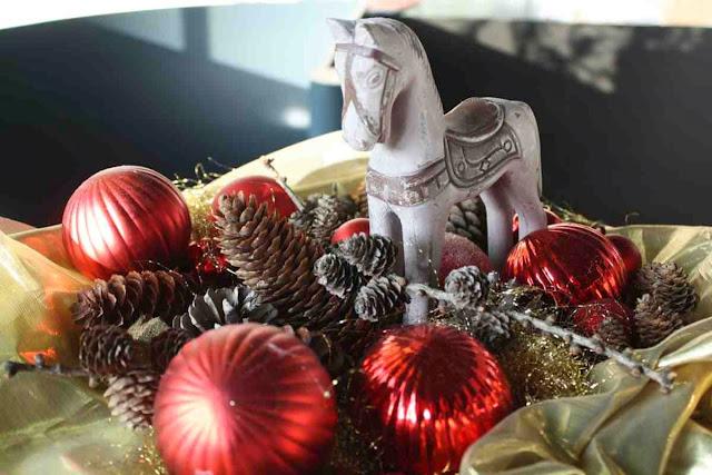 Weihnachtliches Dekor bei Brunnauers im Magazin in Salzburg © Copyright Monika Fuchs, TravelWorldOnline