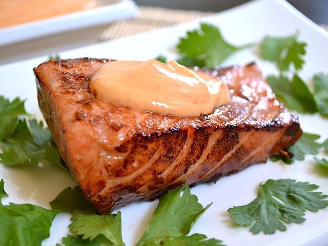 Teriyaki salmon w/ sriracha mayo