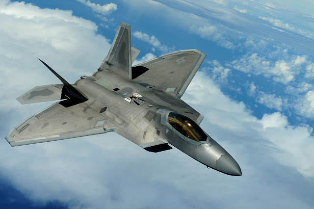 f-22 raptor clouds