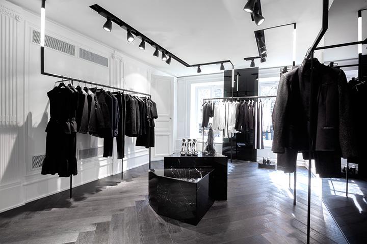Karl lagerfeld dise o minimalista en su nueva tienda de for Tiendas muebles minimalistas