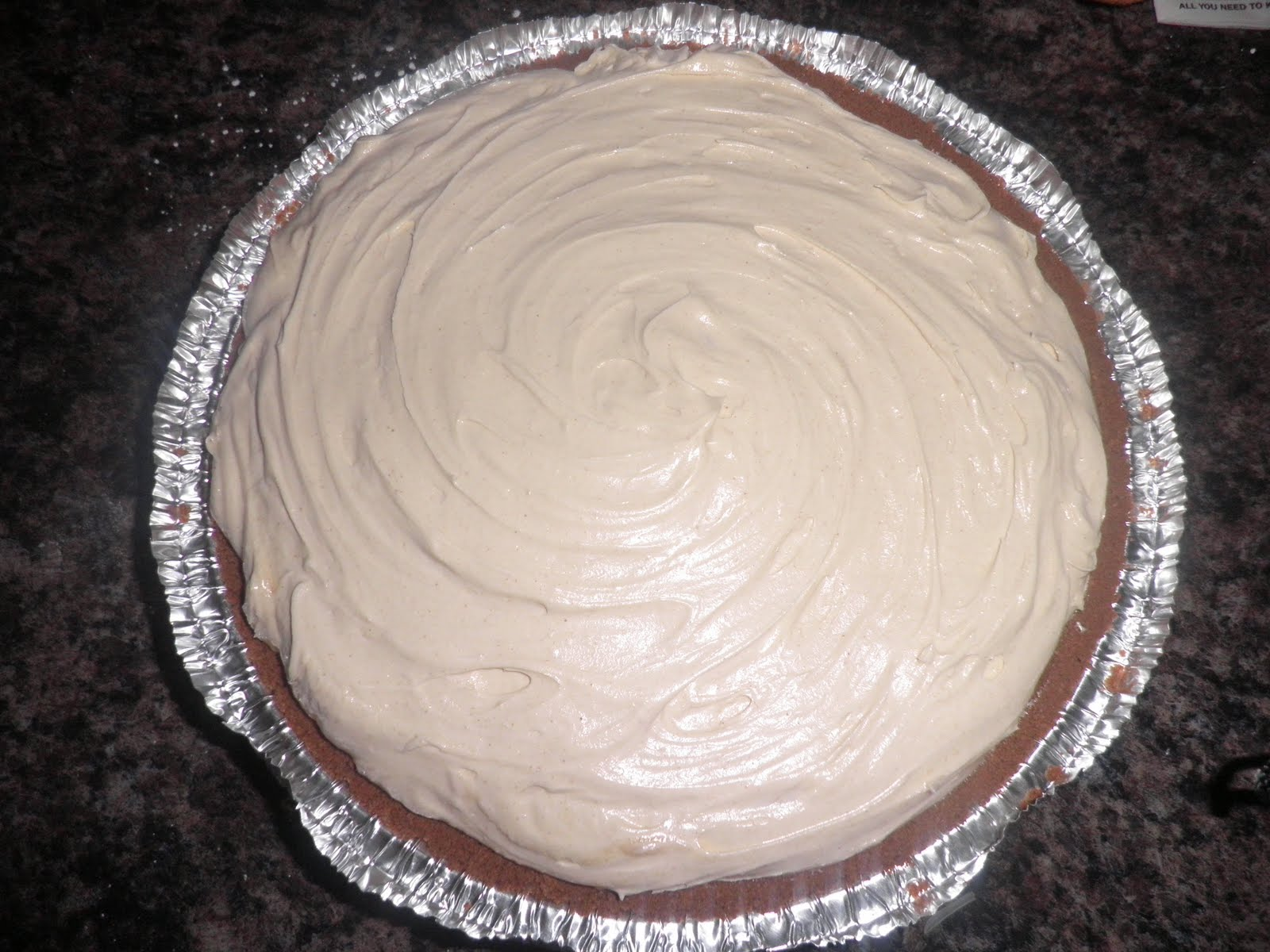 Smooth & Creamy Peanut Butter Pie
