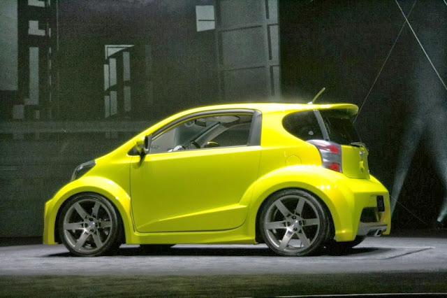 Scion iQ Car Wallpaper