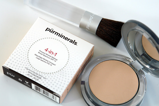 Pür Minerals 4-in-1 Pressed Mineral Makeup Foundation Chisel Makeup Brush Pür Minerals, review, beauty, foundation, brushes,