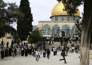 حكومة غزة تحذر من مجزرة جديدة بالأقصى