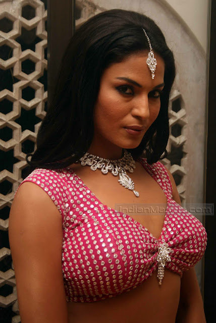 Veena Malik's All Time Hot Pics