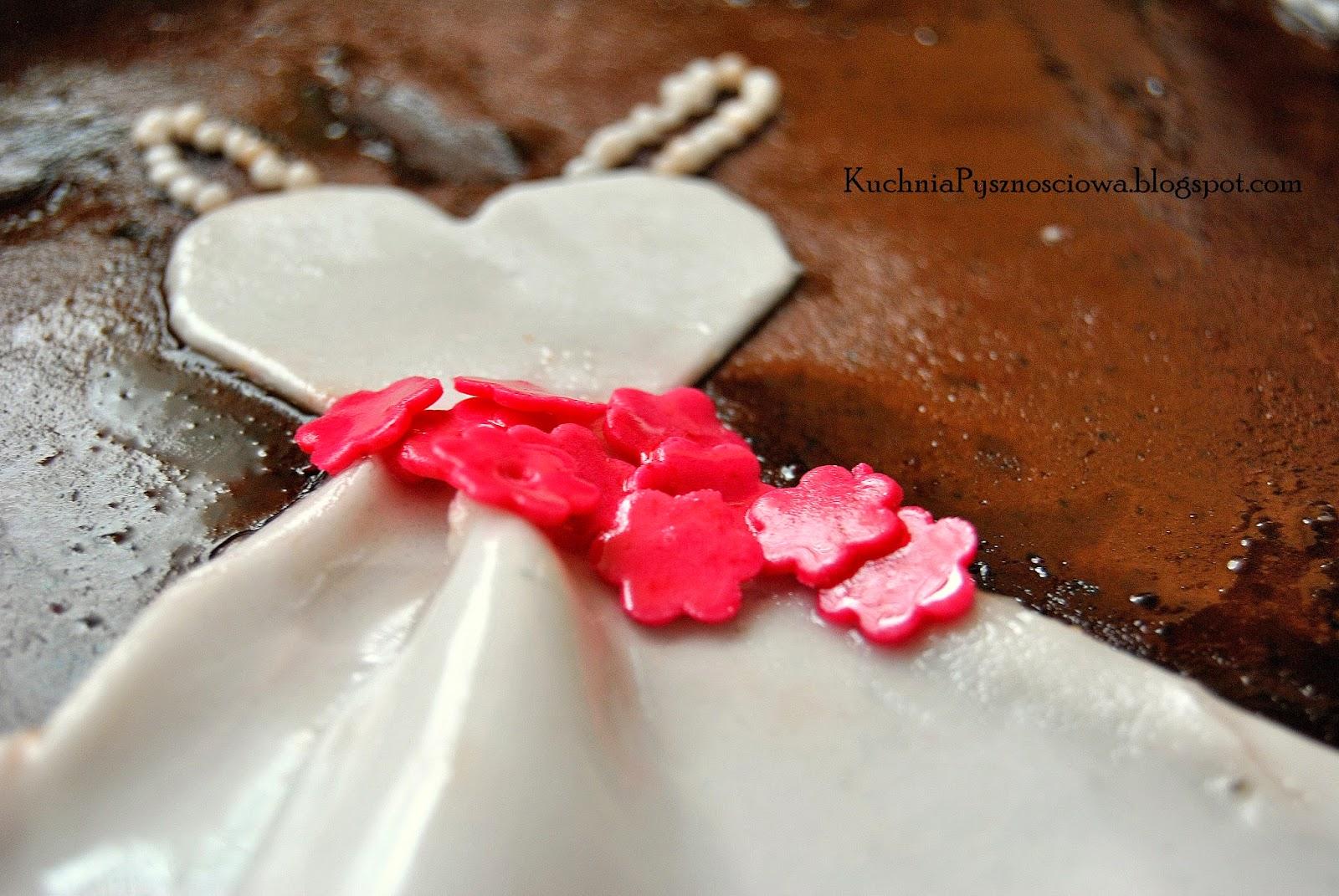 Elegancki, księżniczkowy tort na wieczór panieński