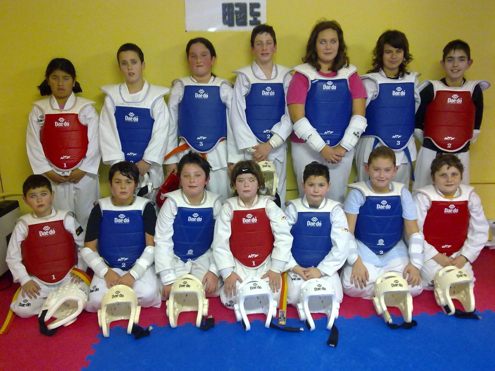 http://2.bp.blogspot.com/-Bu4yB7gcsOs/TZXbaIbeIDI/AAAAAAAAAAw/_e-KCzvl86Q/s1600/taekwondo%20san%20pedro.jpg