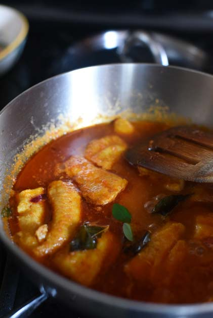 Bong mom 39 s cookbook swai or basa fish in a curry leaves for Best basa fillet recipe
