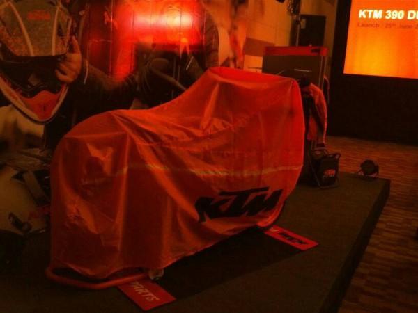 motonhapkhau KTM Duke 390 co mat tai an do