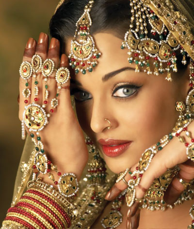 Aishwarya Rai Latest Romance Hairstyles, Long Hairstyle 2013, Hairstyle 2013, New Long Hairstyle 2013, Celebrity Long Romance Hairstyles 2324