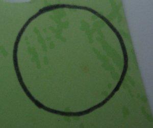 Jiplak pola pada kain flanel (bikin pola bunga dua lembar, dan pola