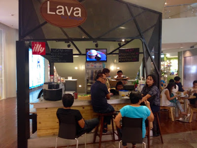 Lava by Fudge, Cake Shop in Cebu, Lava Cake, Chicken Curry Pie, Ayla Center Cebu New Wing, Kalami Cebu Review