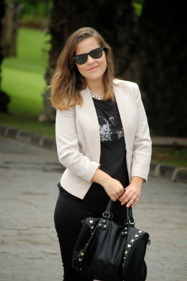 look_outfit_blazer_blanco_negro_collar_pedrería_nudelolablog_03