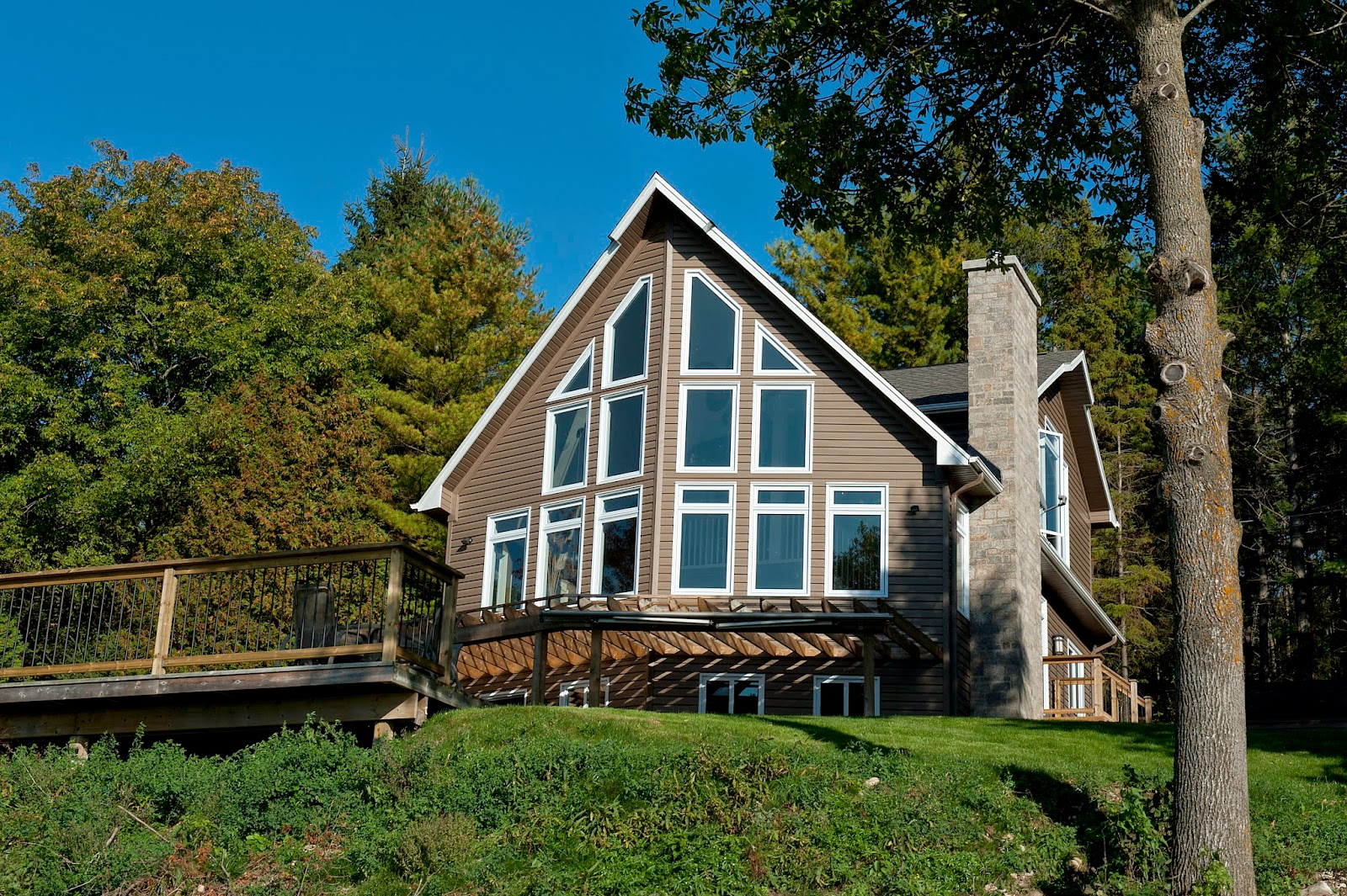 Beaver homes cottages it 39 s all about the view for Beaver home designs
