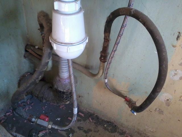 старая подводка для кухонного сместиеля фото