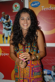 Tapsee Pannu looks cute Spotted at Venkys XPRS Food Court