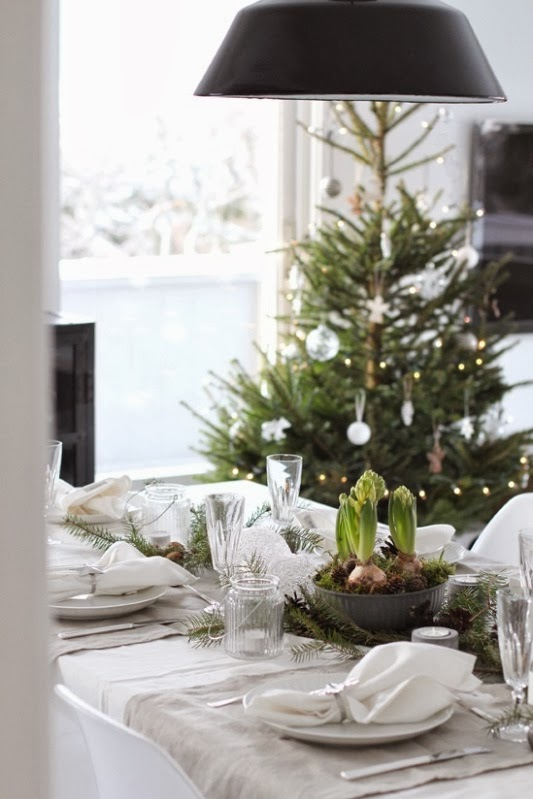 shabby chic christmas table decoration