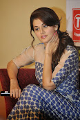 Taapsee pannu latest glam pics-thumbnail-5