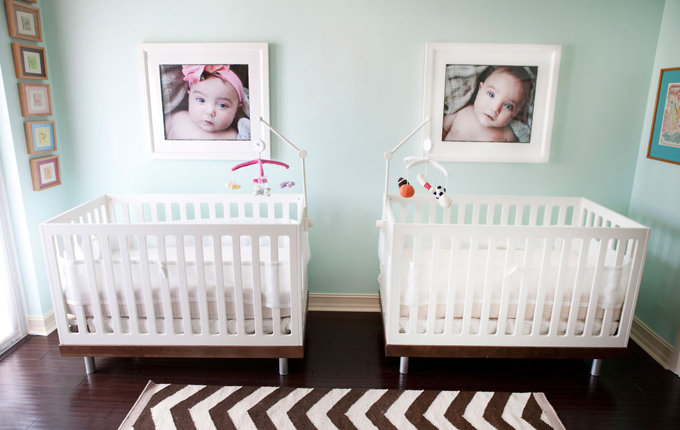 The Oeuf Classic Crib Is A Modern Choice That Truly Looks Exquisite In A  Variety Of Settings. We Love The Photographs And Basic Mobiles Too.
