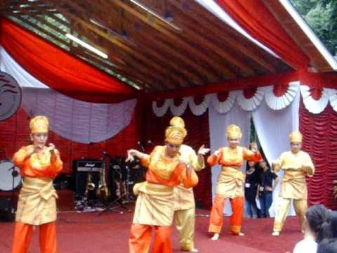Tari Rantak Kudo dari Minangkabau ~ DIGITAL INFORMATION