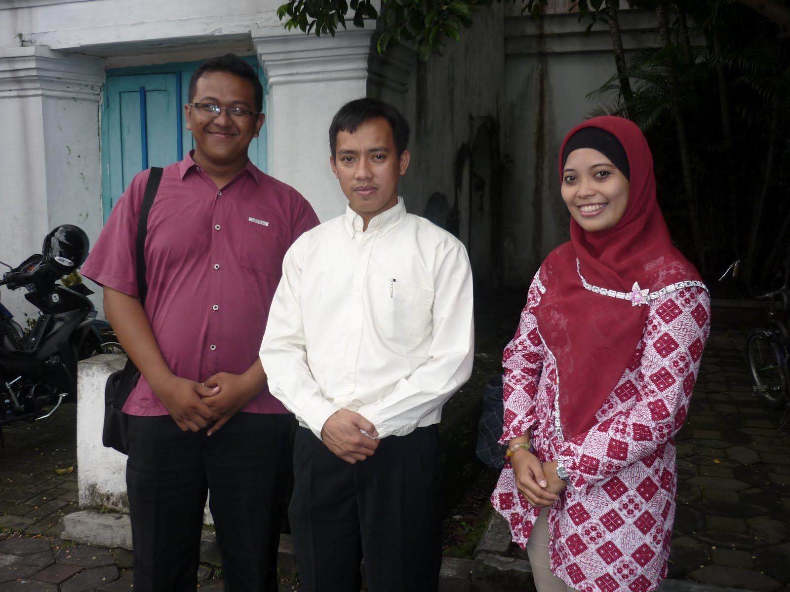 Minggu, 15 April 2012
