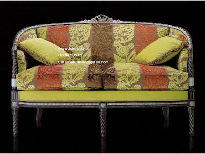 Furniture Mebel Jepara kursi Jati Mebel ukir jepara Furniture Kursi makan Jati Kursi tamu Jati jepara kualitas kursi klasik Jati  jepara ukiran French Duco Vintage  code KURSI JATI 0135