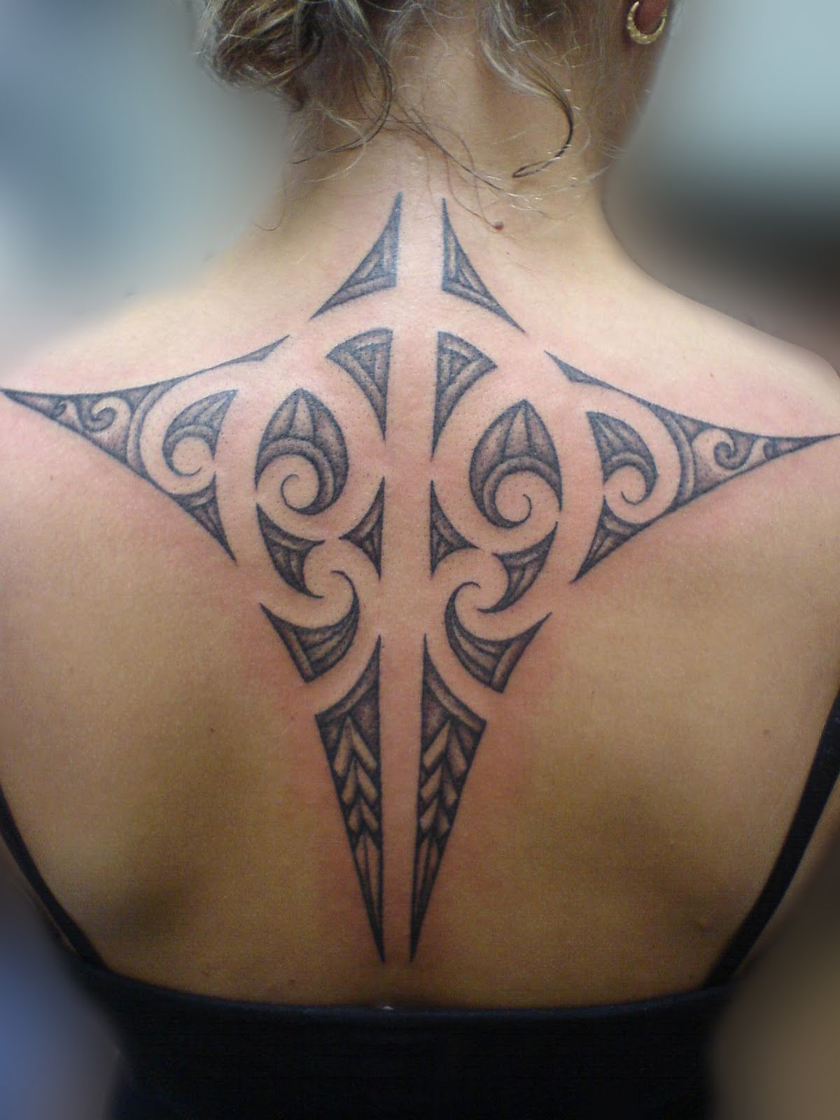 Body art world tattoos maori tattoo art and traditional for Women s tribal tattoos designs