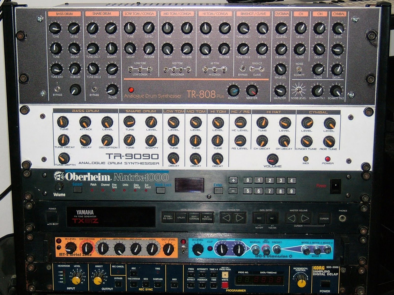 Matrixsynth rackmount diy roland tr 808 clone for Diy tr
