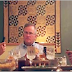 His Kids Are Texting Over Dinner. The Father's Reaction? PRICELESS!