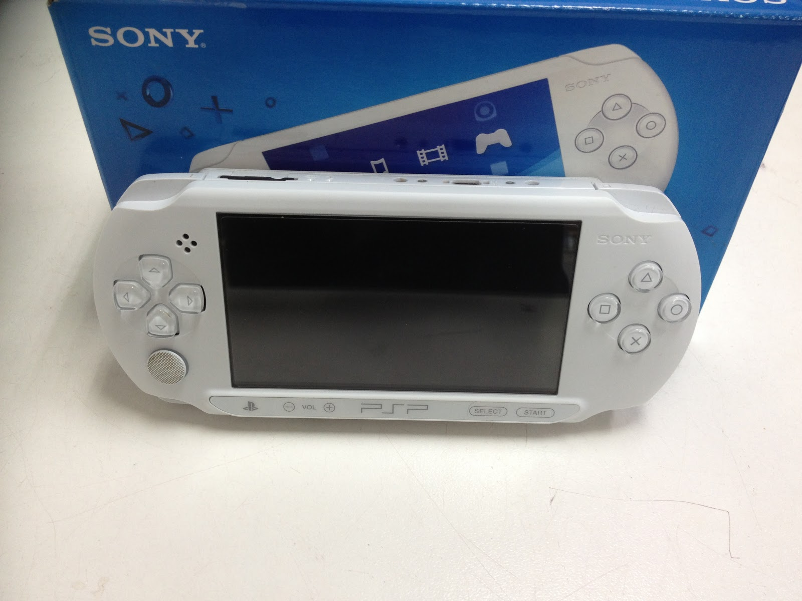 SONY PSP 1004 WHITE149 ONLY