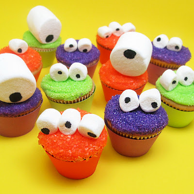 halloween food gifts: googly-eyed monster mini cupcakes for celebrations