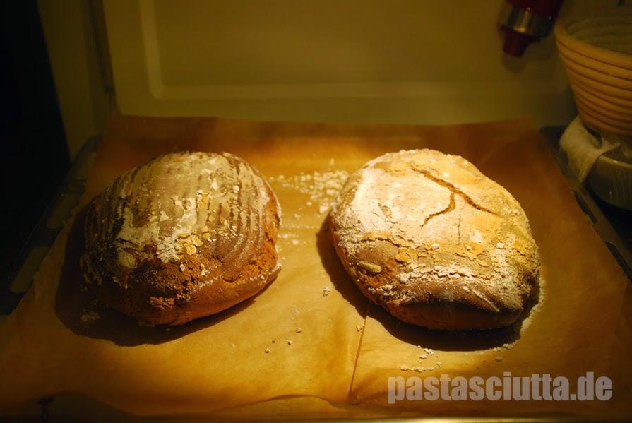 Zwei kleine Weizenmischbrote