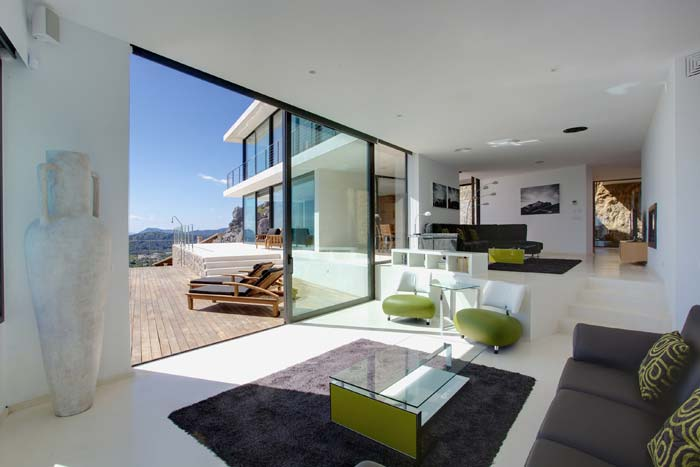 Casas minimalistas y modernas casa minimalista en mallorca for Casa minimalista blog