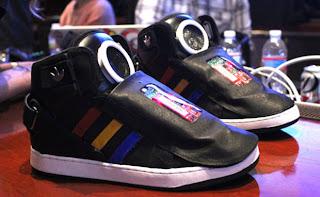 Google unveils 'talking shoe'