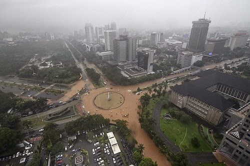 Jakarta_recent_flooding_photo_natural_disasters_2015