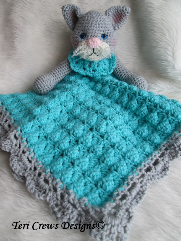 Free Crochet Pattern Huggy Blanket : Wool and Whims: New Cat Huggy Crochet Blanket