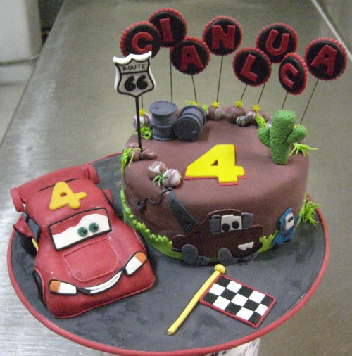 Michela barocci sugar artist torta cars per gianluca for Decorazione torte ginnastica ritmica