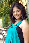 Actress Anjali New Photos, Anjali hot photoshoot stills-thumbnail-9