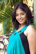 Actress Anjali New Photos, Anjali hot photoshoot stills-thumbnail-9