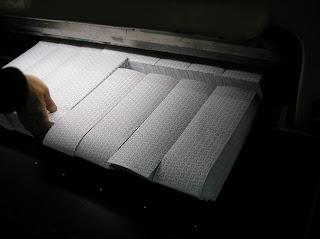 papel cortado en guillotina