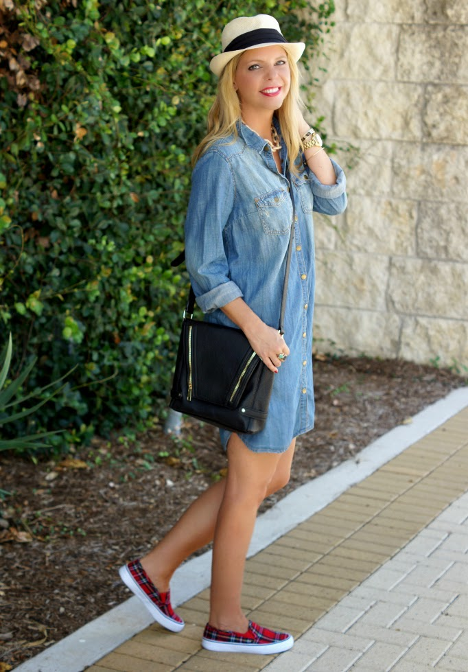 denim dress outfiit idea