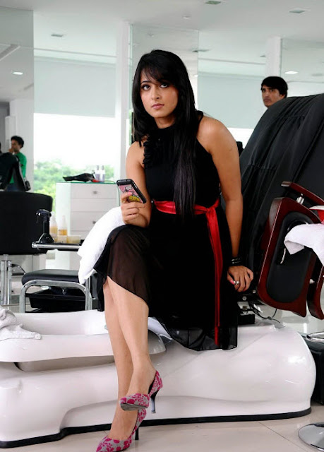 Tollywood Hot Actress Anushka Shetty Cute Photos