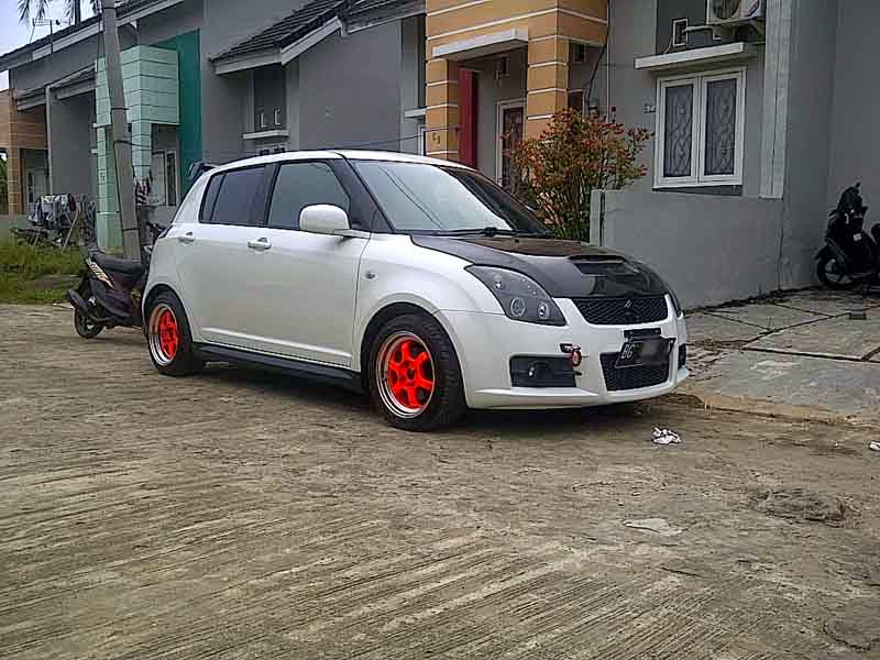 suzuki swift putih modifikasi