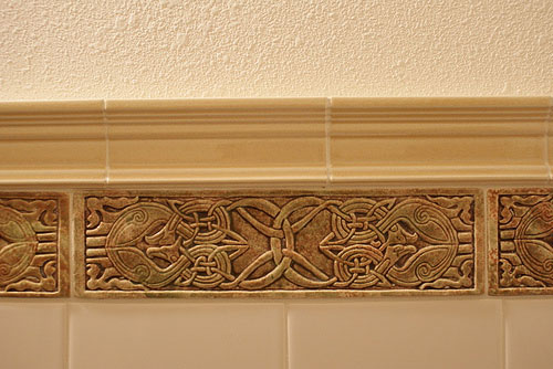Decorative Handmade Ceramic Tile Decorative Relief Carved Ceramic Celtic Eagle Tile Border