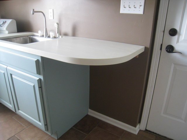 ... updated photos and a little tutorial on painting cabinetry next week
