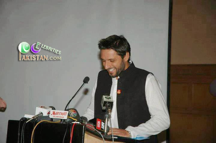 Shahid Afridi At His Brother Wedding
