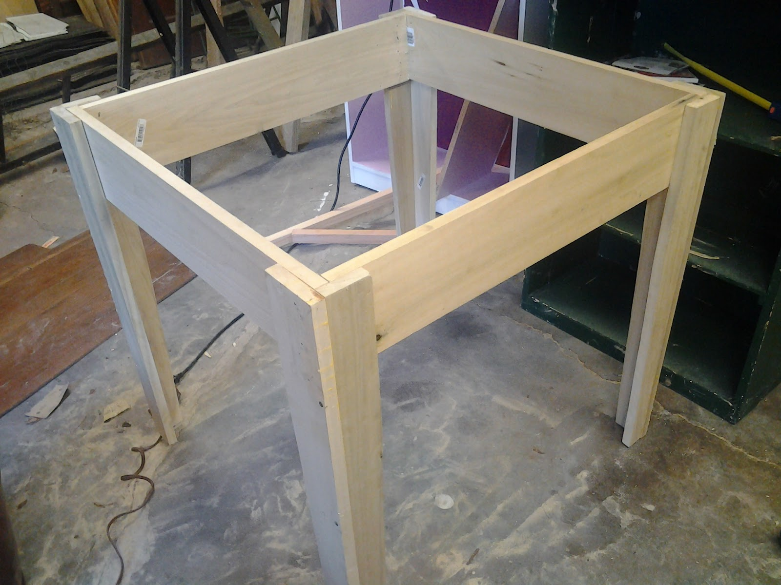 Kitchen table table legs and apron watchthetrailerfo